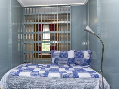 """美19世纪监狱改造成主题酒店 含12间""""牢房"""""""